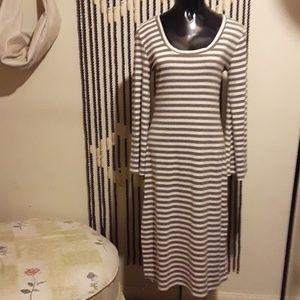 Chic Anthropologie's Anama Dress